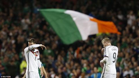 Ireland 1-0 Duc Thua dau, nha DKVD the gioi chua the co ve du VCK Euro 2016 hinh anh 2