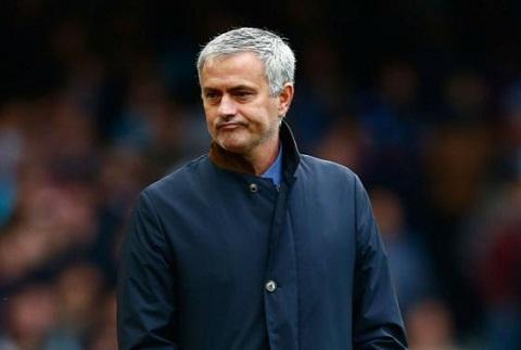 Khong sa thai HLV Mourinho, Chelsea kho vao Top 4 hinh anh