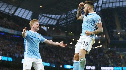 Man City 2-1 Norwich Ngay hai thu mon toa sang hinh anh