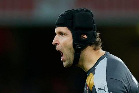 Cech da thay doi ca hang phong ngu cua Arsenal hinh anh