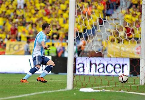 Video clip ban thang Colombia 0-1 Argentina (Vong loai World Cup 2018) hinh anh