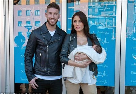 May bay ba gia ha sinh nhoc ty thu hai cho Sergio Ramos hinh anh 2