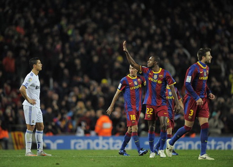 Ky uc El Clasico Barcelona 5-0 Real Madrid (29112010) hinh anh