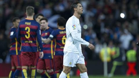 El Clasico Real 4-0 Barca Ronaldo cuc tam thuong, Messi chi sam vai phu hinh anh