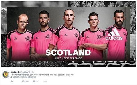 La lam voi ao dau mau hong cua DT Scotland hinh anh