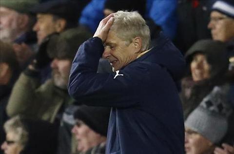 Truoc tran Arsenal vs Dinamo Zagreb HLV Wenger va nhung lua chon kho khan hinh anh 2