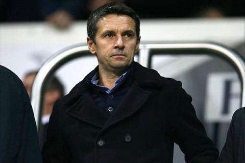 Tan HLV Aston Villa cam cac hoc tro noi tieng Phap hinh anh
