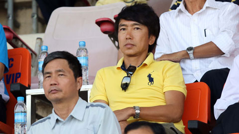 Tai sao HLV Miura khong xem chung ket U21 Quoc te hinh anh