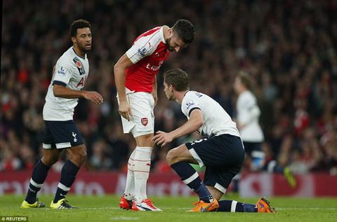 Tien dao Giroud vo duyen ra sao tran Arsenal 1-1 Tottenham hinh anh