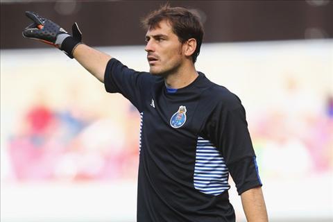 Zidane goi dien moi Casillas tro lai Real hinh anh