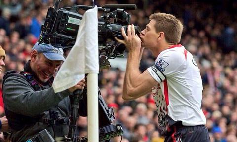 Tien ve Steven Gerrard tiet lo ke hoach giai nghe hinh anh 2