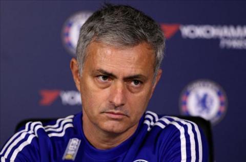 HLV Jose Mourinho nhac mot so cau thu Chelsea sau tran vs Leicester hinh anh
