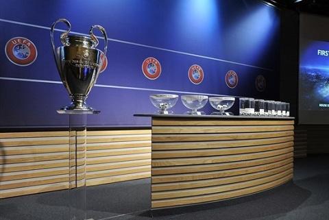 18h00 truc tiep le boc tham vong 18 Champions League 20152016 hinh anh