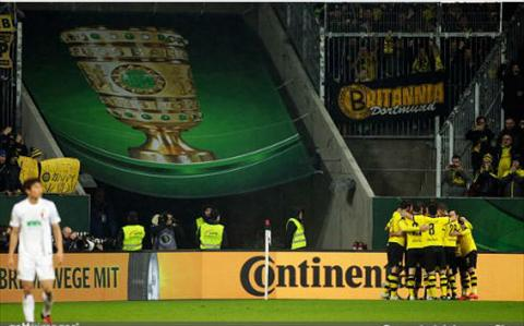 Video clip ban thang Augsburg 0-2 Dortmund (Cup Quoc gia Duc 20152016) hinh anh