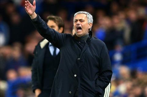 Mourinho den MU E rang se con te hon ca Van Gaal! hinh anh 2