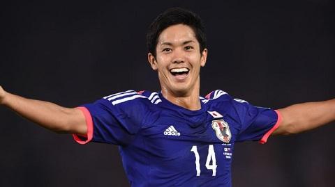 Yoshinori Muto duoc Sir Alex gioi thieu cho M.U