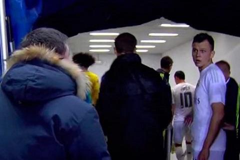 Sai lam lich su Real Madrid su dung cau thu trai phep de da doi hang 3 Cadiz! hinh anh