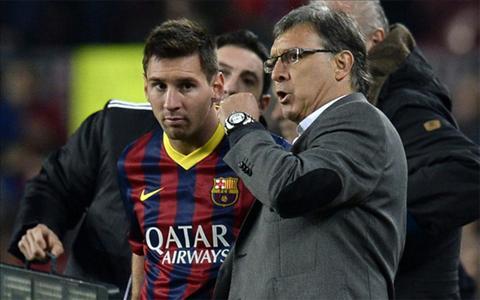 Martino vs Messi hinh anh