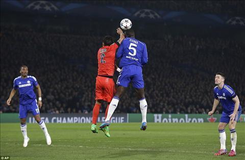 Thiago Silva xuat sac nhat tran Chelsea 2-2 PSG.