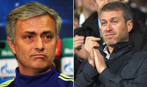 Chelsea vs PSG Chelsea bi loai, Mourinho duoc Abramovich trong thuong hinh anh