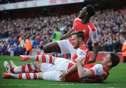 Arsenal thang de, Wenger mo lat keo Monaco hinh anh