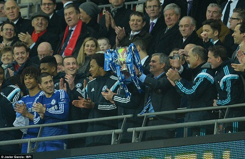 Du am Chelsea 2-0 Tottenham Thanh qua cho su qua cam cua Mourinho hinh anh 2