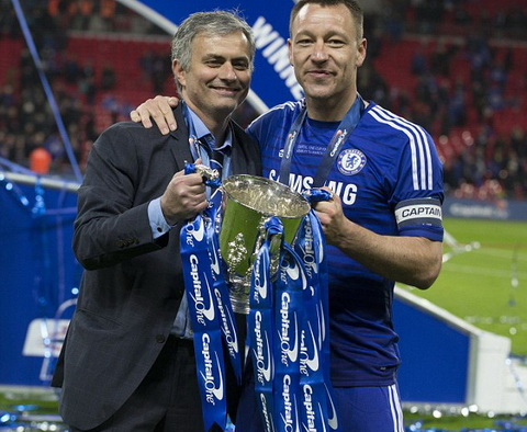 HLV Jose Mourinho muon gianh nhieu cup hon nua cung Chelsea hinh anh