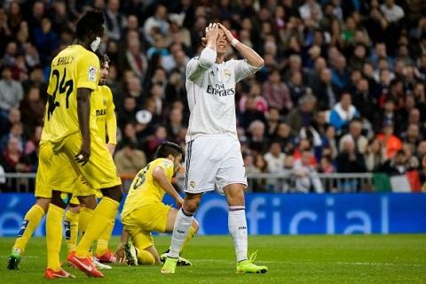 Real bi Villarreal cam hoa Trong noi nho James Rodriguez hinh anh