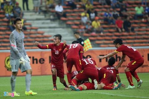 Cong Phuong toa sang hinh anh 2