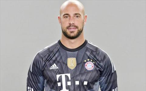 Pepe Reina khong hoi han khi roi Liverpool hinh anh