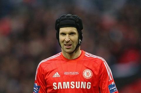 Chelsea co them doi tac trong vu Petr Cech hinh anh