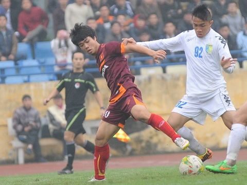 Cong Phuong lap cong, U23 Viet Nam ha dep Ha Noi T&T hinh anh