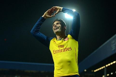 Hang cong Arsenal Giroud moi la so 9 dich thuc hinh anh 2