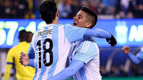 Argentina 2-1 Ecuador Khong can Messi, Albiceleste van thang hinh anh