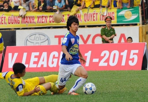 Ha Noi T&T vs HAGL (18h00 254) Hang Day day song hinh anh