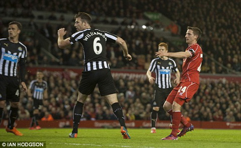 Video ban thang Liverpool 2-0 Newcastle (Vong 32 Premier League 20142015) hinh anh