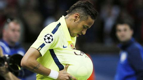 Neymar cua Barca giai thich ve dong tac an mung bung bau hinh anh