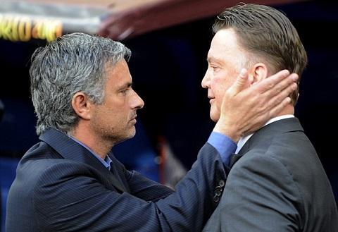 Truoc tran Chelsea vs MU Mourinho chinh la vat bau cua Van Gaal hinh anh