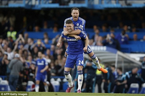Chelsea thang to, Terry van lo bi mat chuc vo dich hinh anh