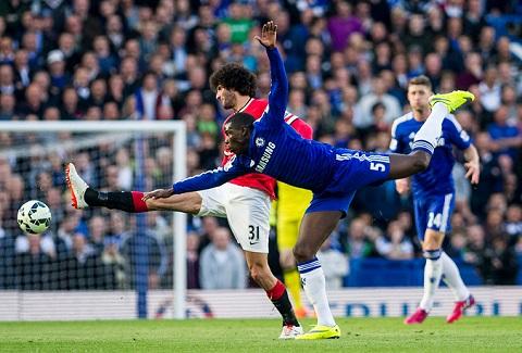 Hau Chelsea 1-0 M.U Zouma tiet lo ve cuoc doi dau nay lua voi Fellaini hinh anh