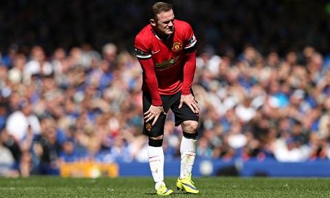 Rooney cua M.U thi dau kem coi tren san khach hinh anh