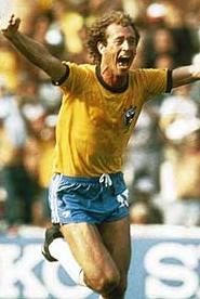 Paulo Roberto Falcao - Huyen thoai bong da Brazil mot thoi hinh anh