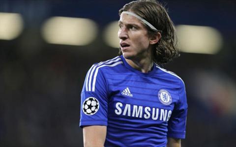 Chelsea chinh thuc rao ban Filipe Luis cho Atletico Madrid hinh anh