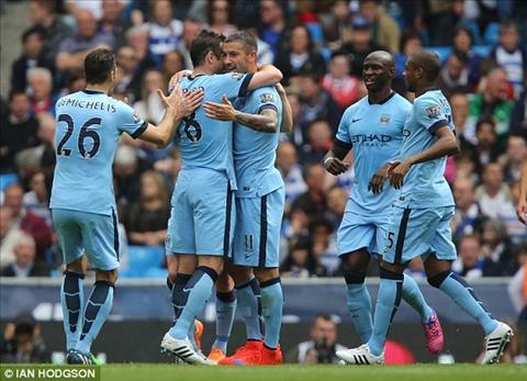 Silva la nhan to chu chot trong tran Man City 3-0 QPR.