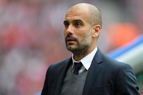 """Pep Guardiola thua nhan khong du tai giup Bayern """"an ba"""""""