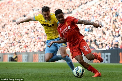 Sterling hach sach, Liverpool cung lap tuc phu thang tay