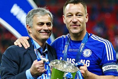 Terry hoi sinh tai Chelsea Hay gui loi cam on toi Mourinho hinh anh