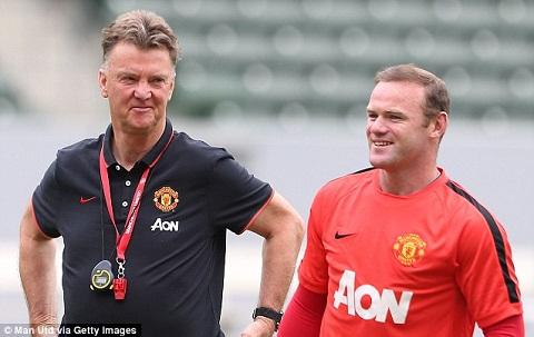 Van Gaal khien Wayne Rooney lap ky luc buon hinh anh