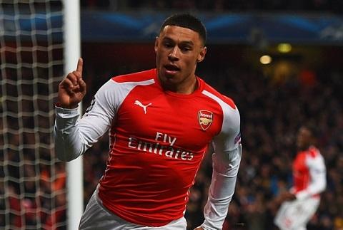 Arsenal vs West Ham, sai lam cua Wenger Qua tin vao Ozil hinh anh 2