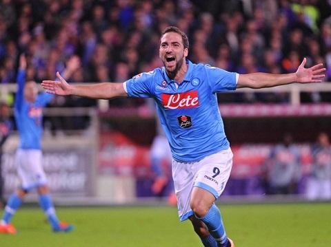 Higuain cua Napoli quyet tam truoc them Copa America hinh anh